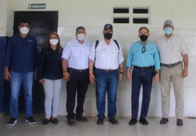 Presidente de la República y altas autoridades visitan centros de vacunación, en Veraguas